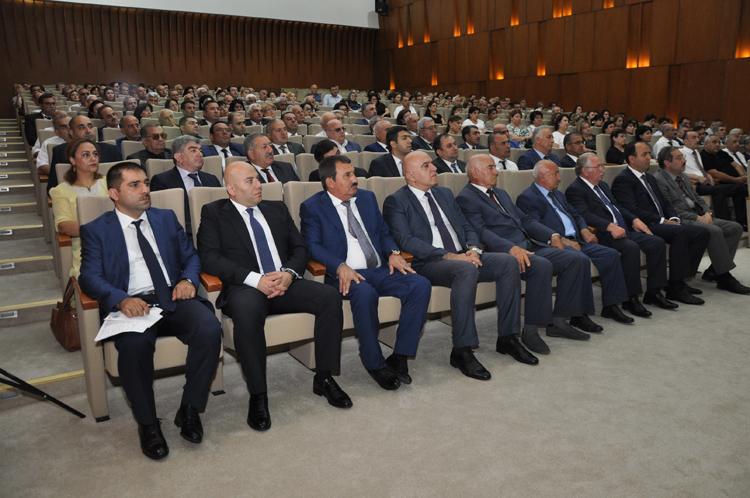 YAP-ın Mərkəzi Qərargahında partiyanın Nərimanov və Nizami rayon təşkilatlarının ərazi ilk partiya təşkilatları sədrlərinin iştirakı ilə müşavirə keçirilib